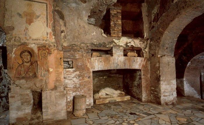 catacombs_san_callisto_01